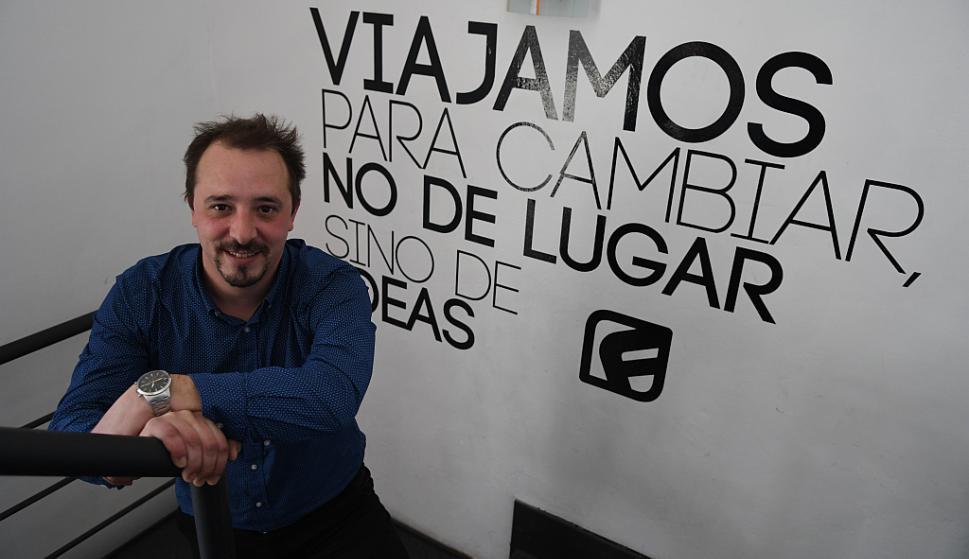 """Fabián Nicodemo. """"Movemos unos 200 viajes en ómnibus por años, sin contar viajes educativos"""". (Foto: Ariel Colmegna)"""