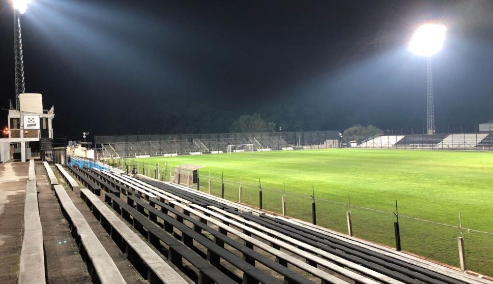 Las luces del Parque Alfredo Víctor Viera están prontas. Foto: Germán Barcala.