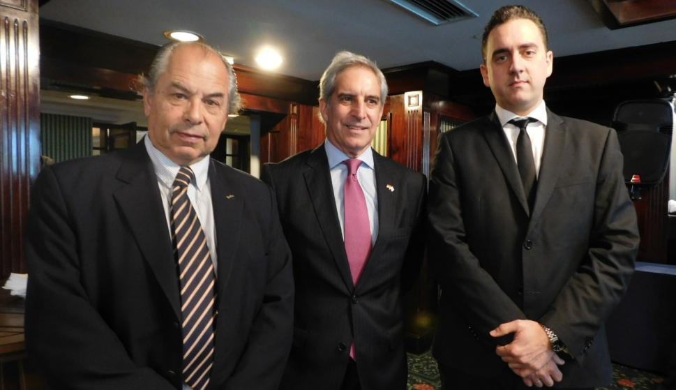 Horacio Sardeña, Gustavo Weigel, Fernando Meléndez.