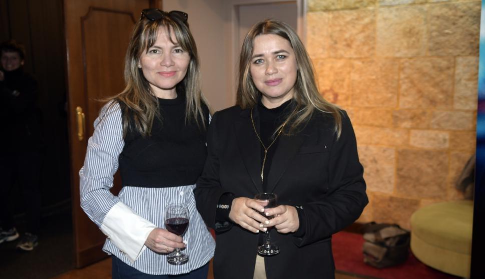 Ana Rolon, Claudia Medina.