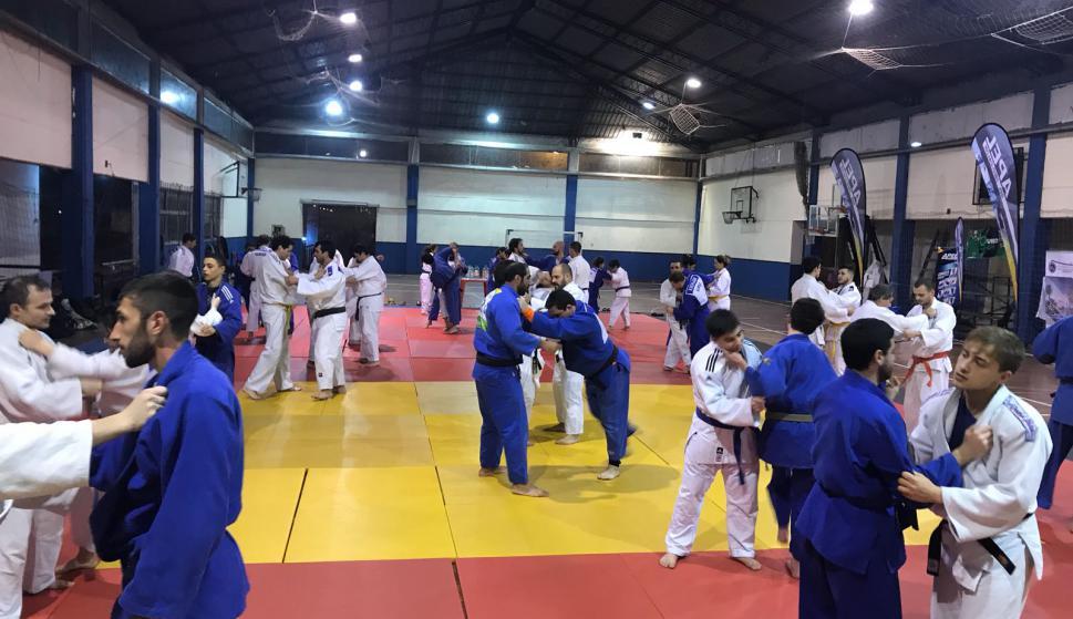 El campo de entrenamiento en el Montevideo Rowing con judokas de todo el Uruguay. Foto: Montevideo Rowing.