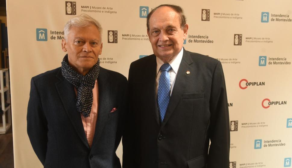 Carlos Cubillos, Embajador de Paraguay Luis Enrique Chase Plate.