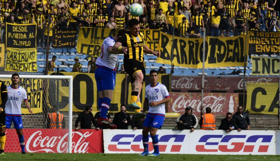 Romero y Cristian Rodríguez en el clásico