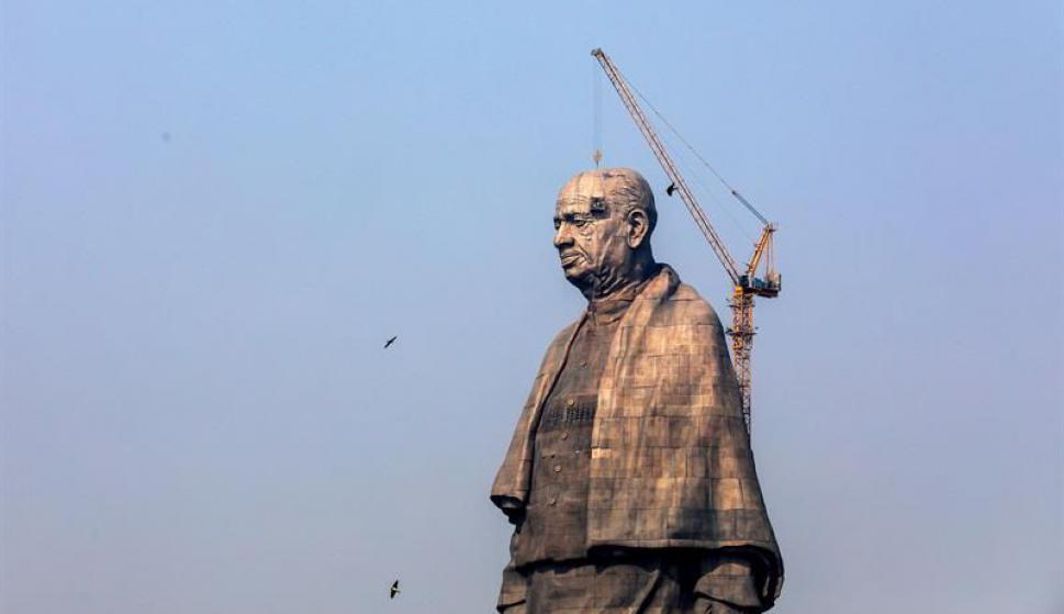 """India levanta la estatua más grande del mundo en honor al """"hombre de hierro"""". Foto: EFE"""