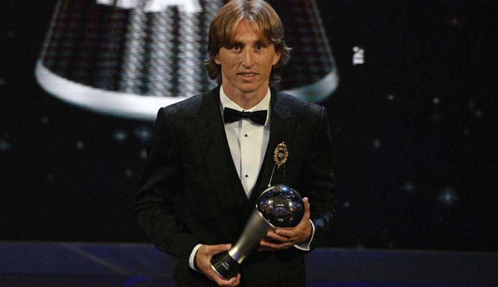 Luka Modric y su consagración en el Balón de Oro de France Football. Foto: Reuters.