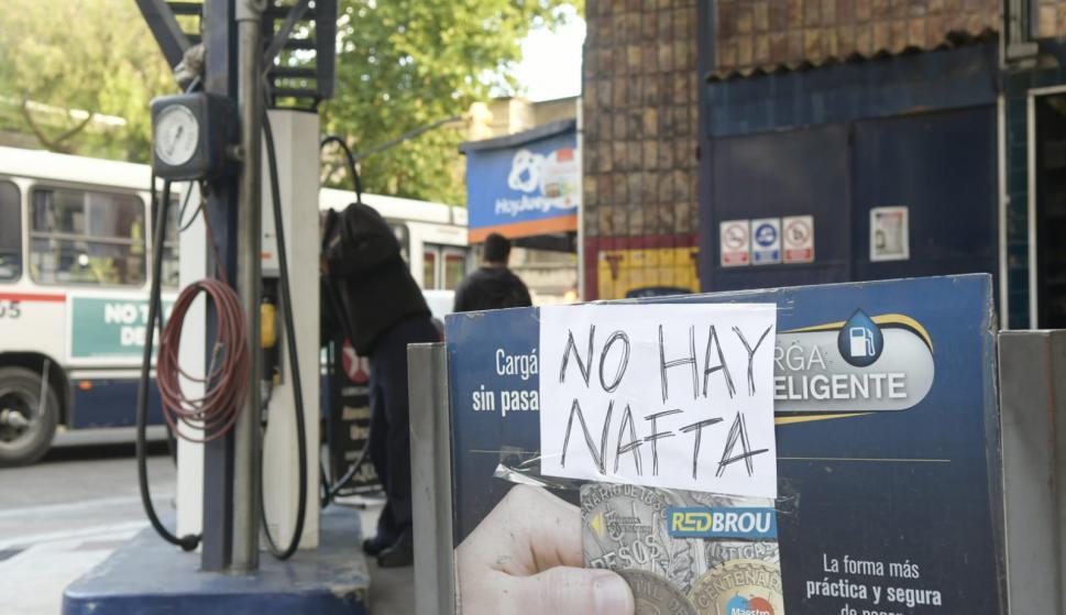 Tras anuncio de paro, escasez de combustible y largas colas en estaciones de servicio