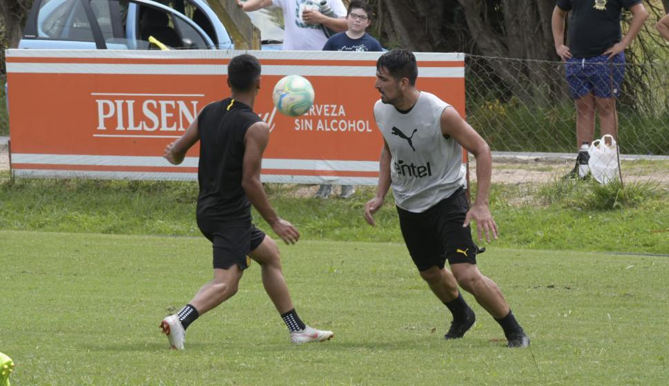 Entrenamiento de Peñarol en Los Aromos. Foto: Leonardo Mainé.
