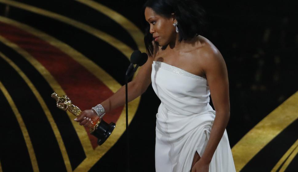 Regina King en los Oscar. Foto: Reuters