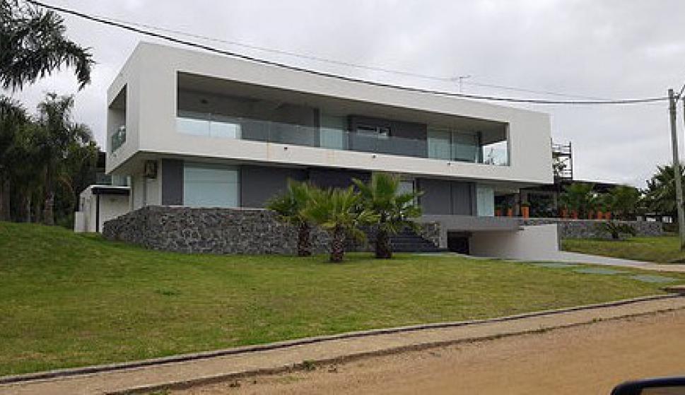 Rematan casa de Torena en Punta Colorada