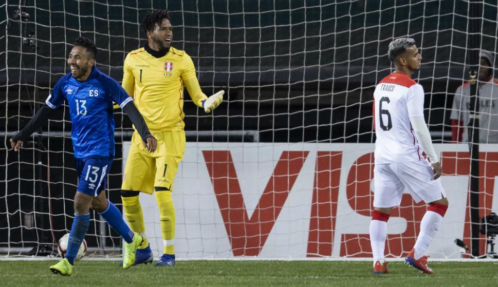 El Salvador dio la nota al vencer a Perú 2-0