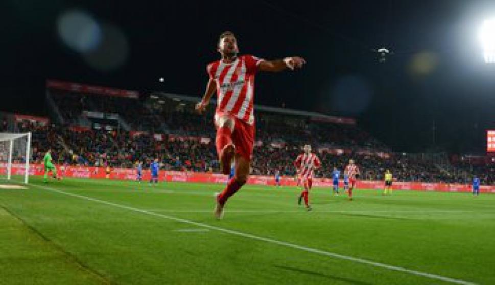 Cristhian Stuani celebrando su gol para el Girona. Foto: @GironaFC.