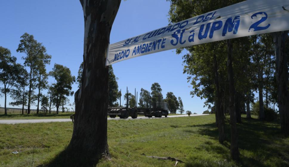Cartel de apoyo a UPM en la ruta 5. Foto: Leonardo Mainé