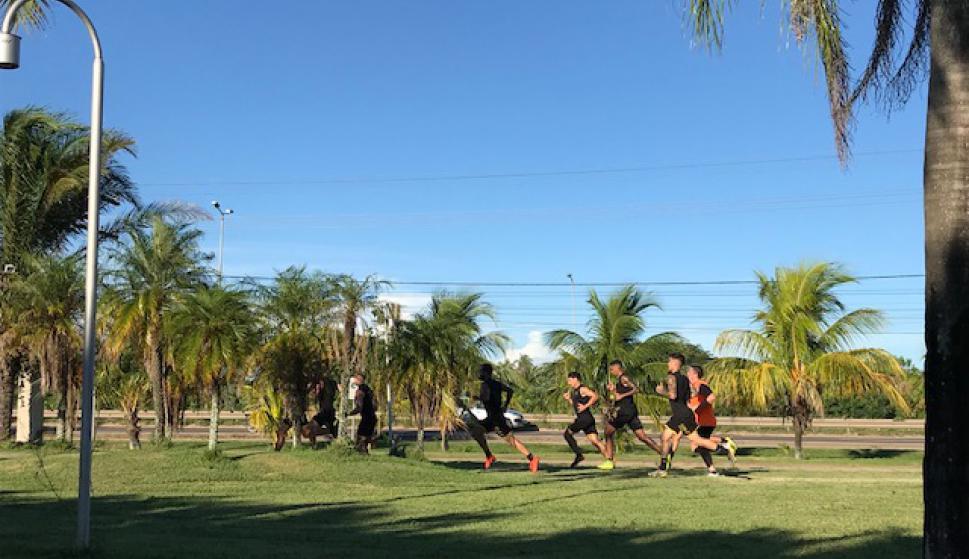 Entrenamiento de Peñarol en Santa Cruz de la Sierra. Foto: Enrique Arrillaga.