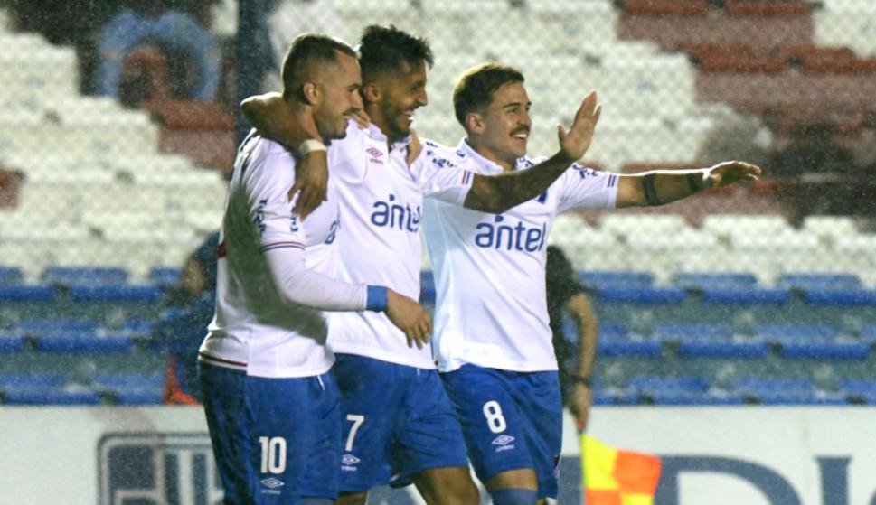 Rodrigo Amaral, Kevin Ramírez y Gabriel Neves en Nacional