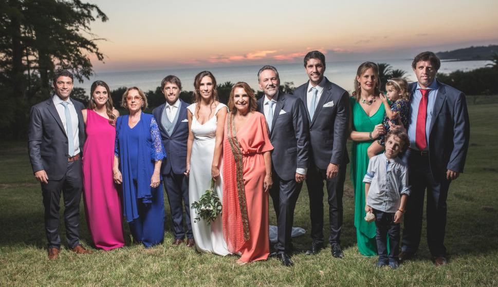 Agustín Vernassa, Sofía Varela, Estela Ferreira,los novios, Beatriz Ventura, Hugo y Santiago Vernassa, Virginia Castro, Micaela, Leonardo y Felipe Sarni.