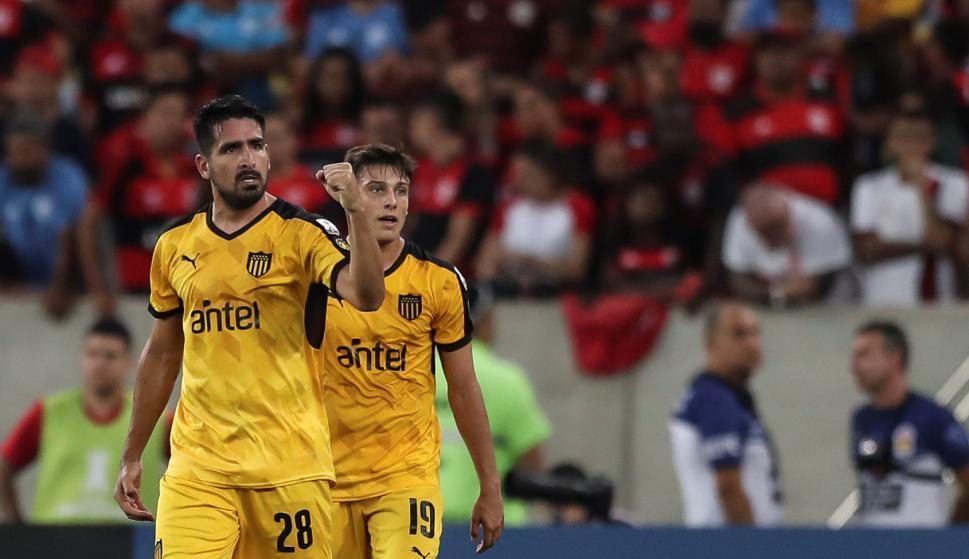 Peñarol quiere repetir la historia de Maracaná, donde venció a Flamengo en el Grupo 4. Foto: Reuters.