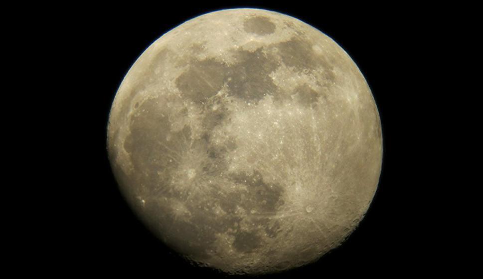 La NASA mandará a una mujer por primera vez a la Luna en 2024 en misión Artemis