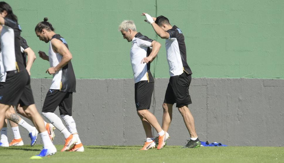 Selección de Uruguay último entrenamiento antes de enfrentar a Chile. Foto: Gerardo Pérez