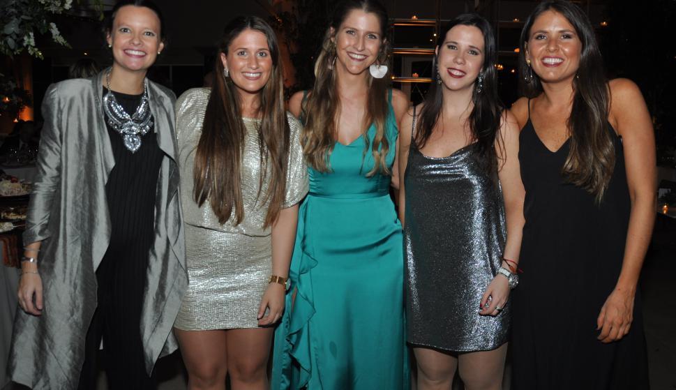 Cecilia Cavestany, Noelia Zapater, María Eugenia Grajales, Lucía Banchieri, Carmela Hernández.