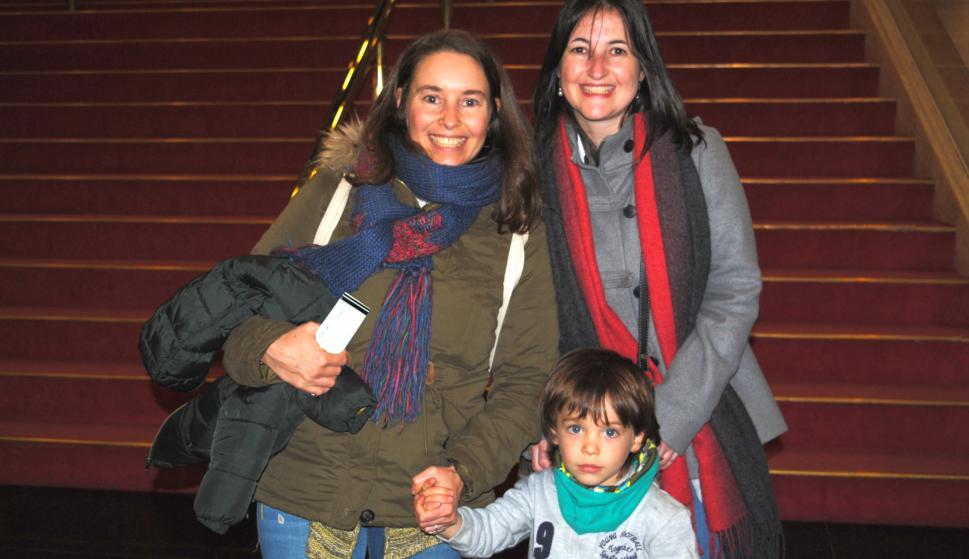 Analisa Waller, Tabaré Ferrari, Marianela Waller.