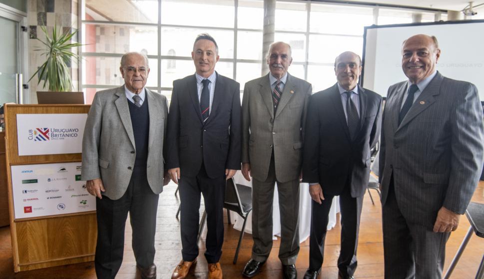 Americo Deambrosi, Embajador de Reino Unido Ian Duddy, Carlos Steneri, Daniel Martínez, Daniel Varese.