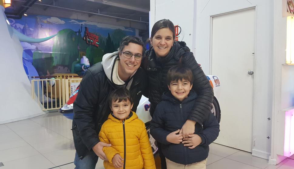 Nicolás Scarela, Macarena Díaz, Francisco y Felipe Scarela.