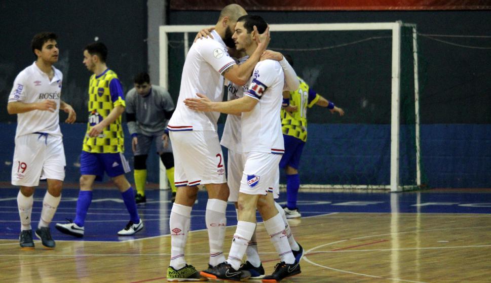 Futsal: Nacional superó a Rio Branco y sigue como único líder. Foto: Matías Pérez / El País