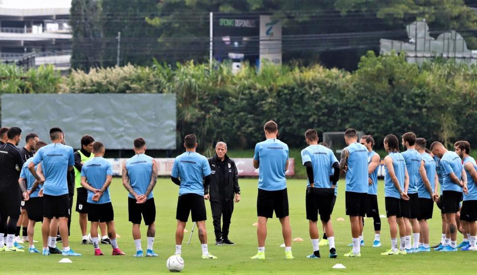 Selección de Uruguay entrenando en Costa Rica