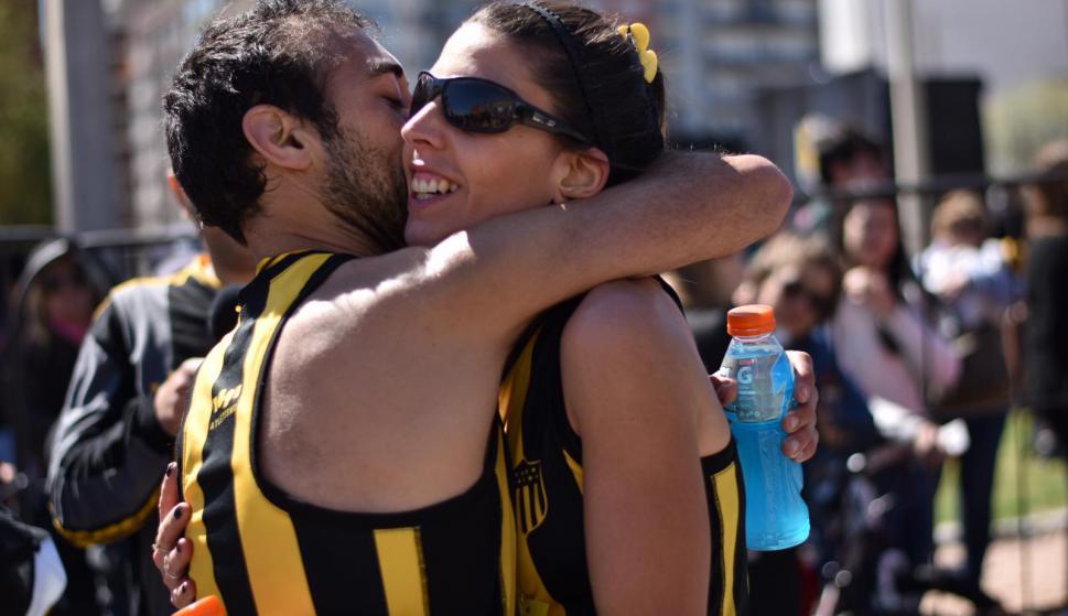 La 5K Peñarol se disputó este sábado en la Rambla de Montevideo con 2.700 competidores. Foto: Belén Otondo.