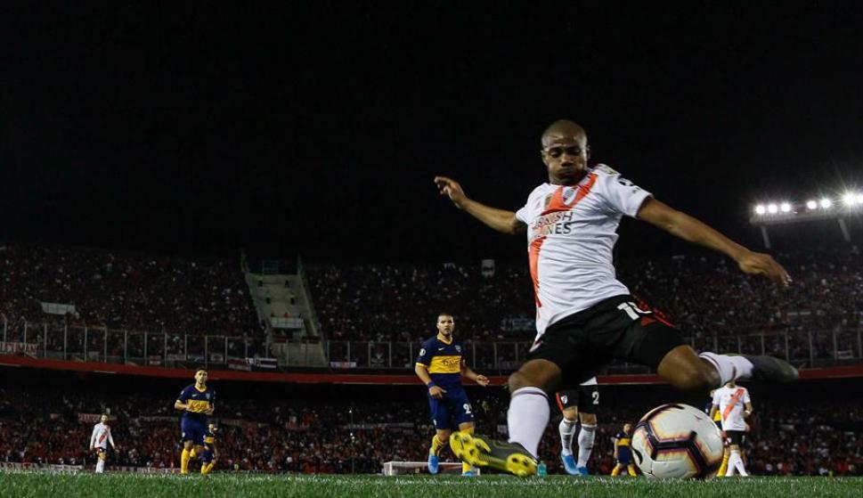 De la Cruz fue la gran figura en el triunfo clásico de River Plate ...