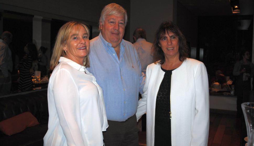Jackie Etchegorry, Gustavo de León, Fernanda Castro.