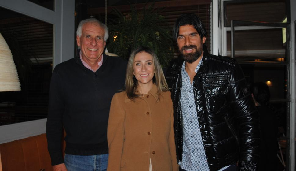 Cesar Payovich, Paola Firenze, Sebastián Abreu.