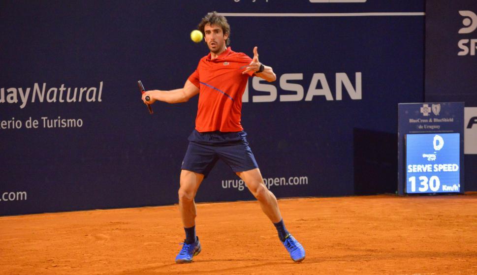 Pablo Cuevas perdió con el argentino Juan Manuel Cerundolo en el Uruguay Open. Foto: Gastón Montero / Uruguay Open.