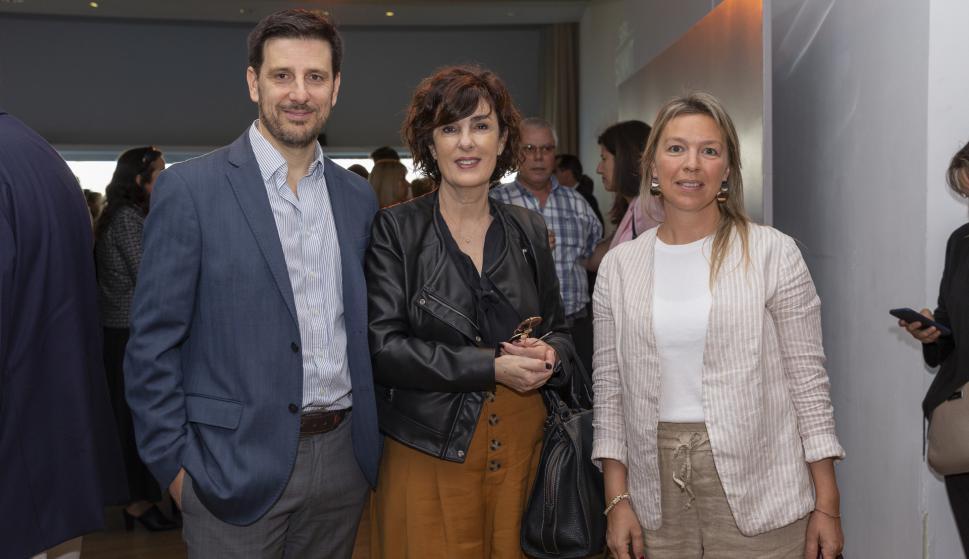 Ignacio Moyone, Mariela Gesto, Flavia Solá.