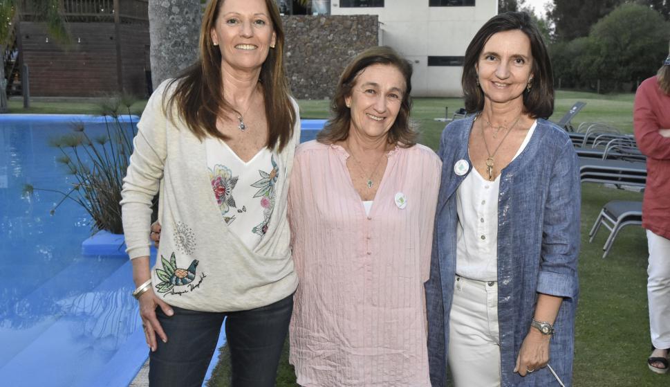 Mercedes Castilla, María Inés Bauer, Mariana Giménez.