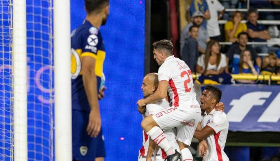 """Santiago """"El Tanque"""" Silva no festejó el gol que le dio el empate a Argentinos Juniors"""