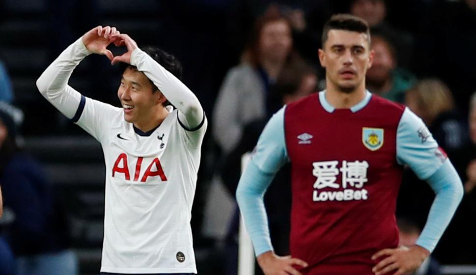 El coreano Son celebra su golazo frente al Burnley en la Premier League. Foto: AFP.