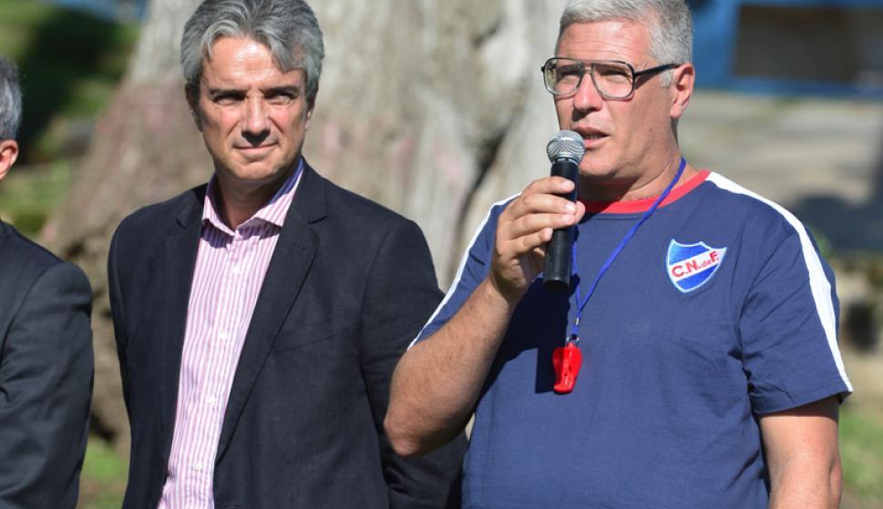 José Decurnex y Álvaro Gutiérrez en la presentación del entrenador. Foto: Gerardo Pérez.