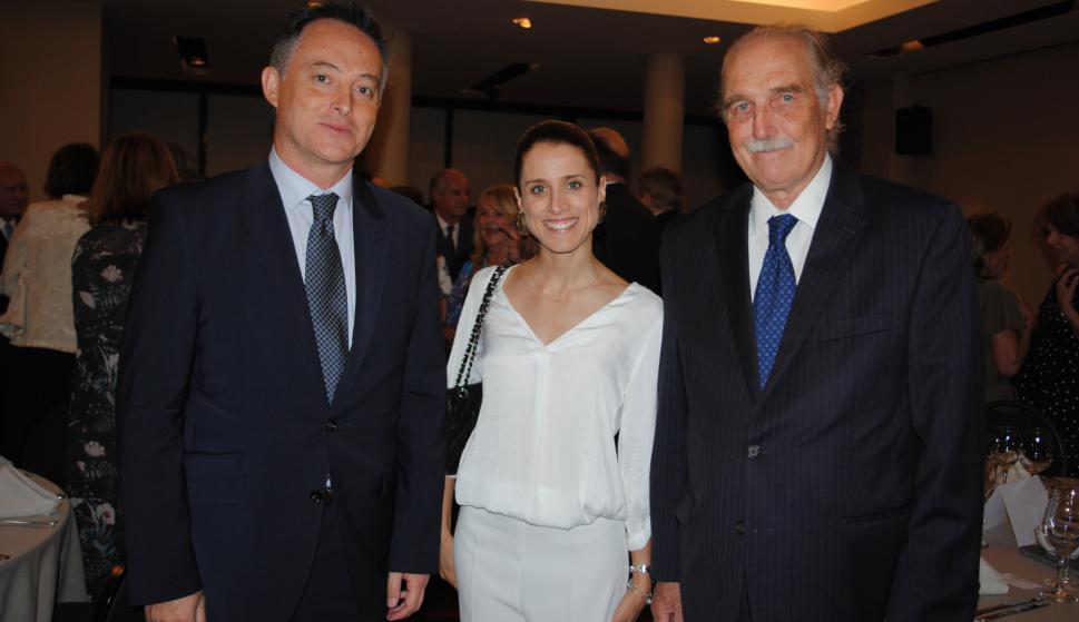 Embajador de Reino Unido Ian Duddy, María Noel Riccetto, Carlos Steneri.