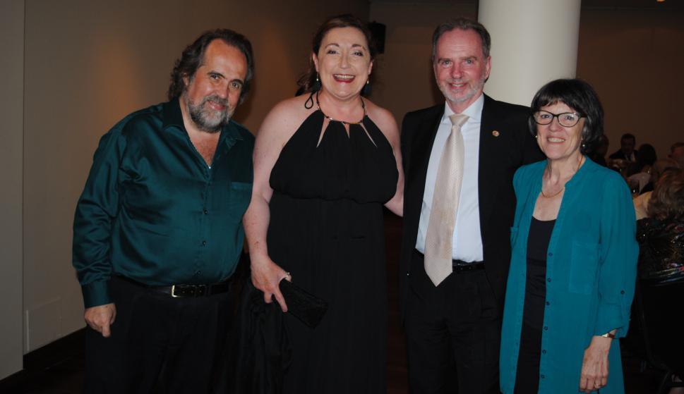 Raúl Medina, María Noel Taranto, Roberto Linn, Teresa Esteche.