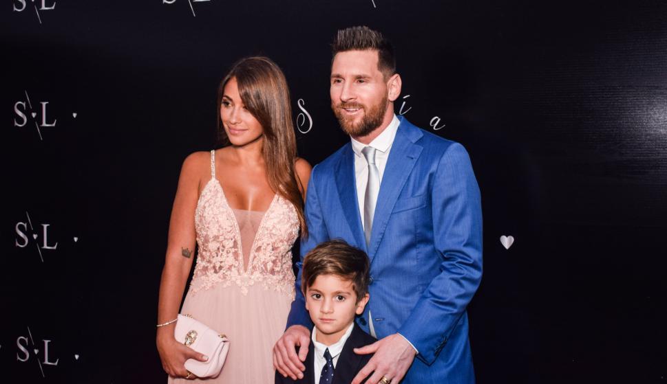 Antonella Roccuzzo, Thiago y Lionel Messi.