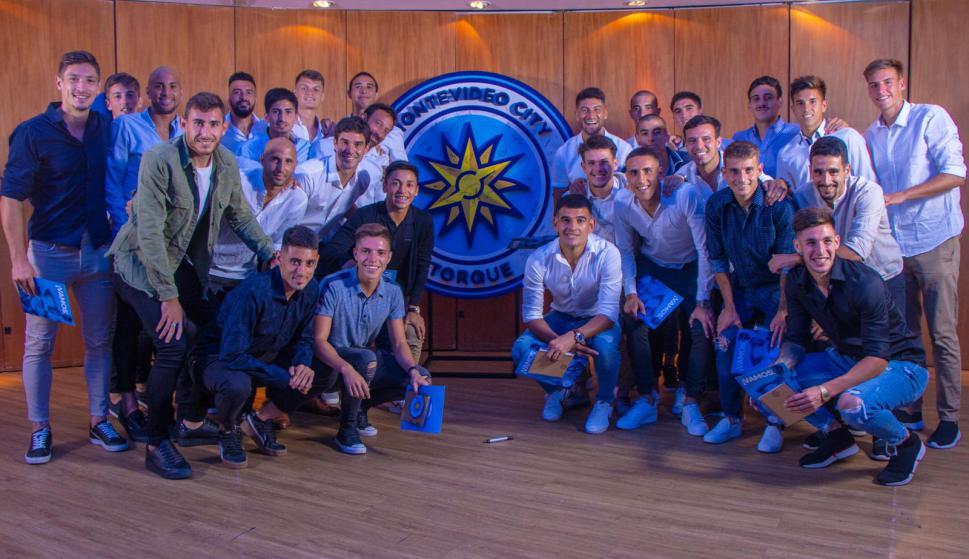 Los jugadores del Montevideo City Torque en una jornada histórica. Foto: @MvdCityTorque.
