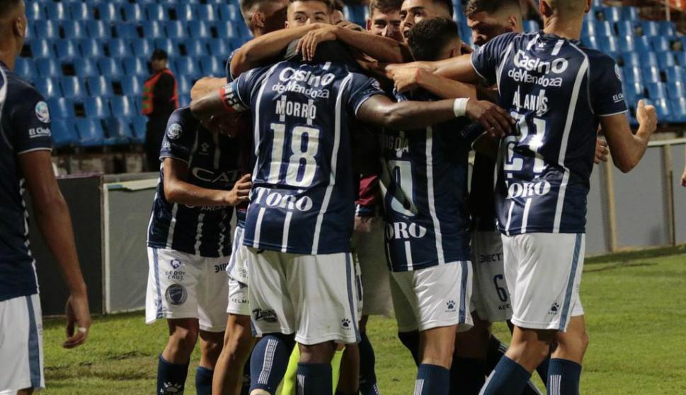 Santiago García convertido en el gran símbolo futbolístico de Godoy Cruz