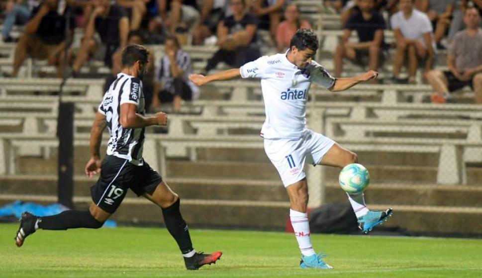 Gonzalo Castro en el Nacional vs. Wanderers