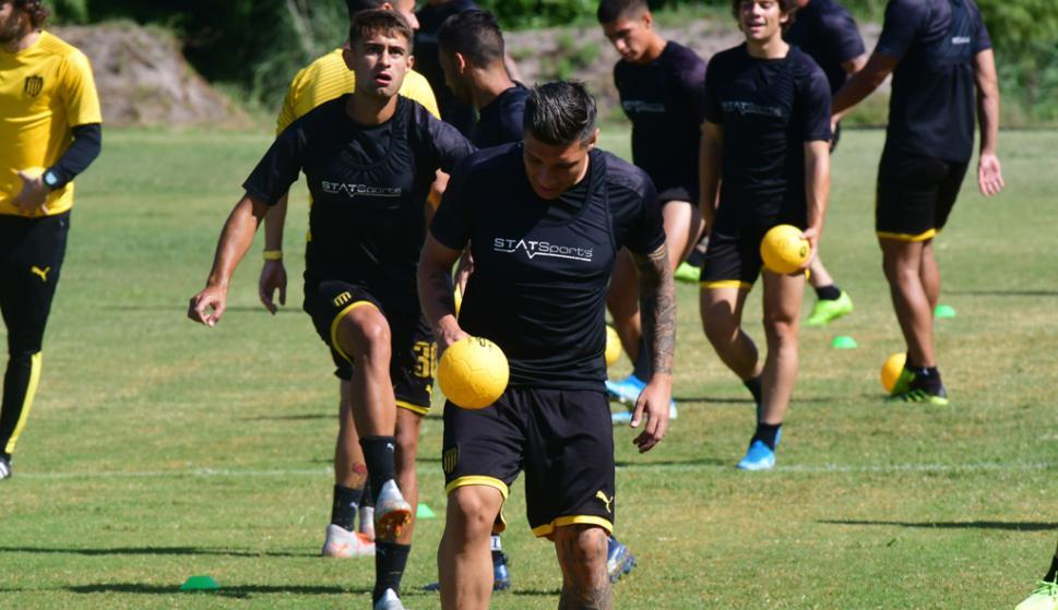 Entrenamiento de Peñarol en Los Aromos. Foto: Francisco Flores.
