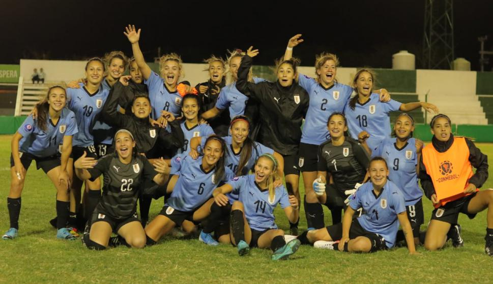 Selección uruguaya de fútbol femenino en el Sudamericano Sub 20. Foto: @AFA.
