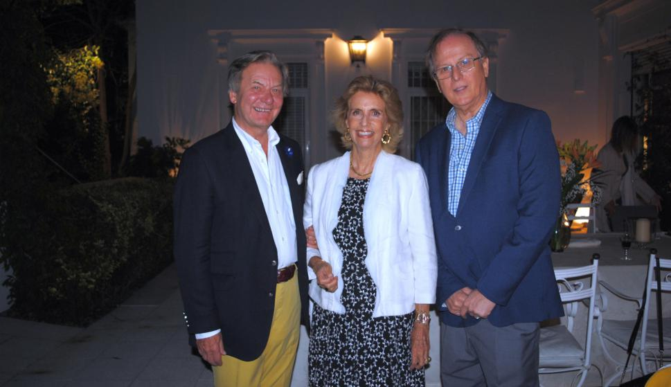 Embajador de España Javier Sangro de Liniers, Julia Rodríguez Larreta, Embajador de Perú  Augusto Arzubiaga Scheuch.