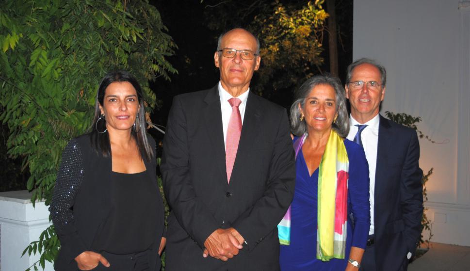 Silvia Pérez, Embajador de Suiza Martín Strub, Ana Bello, Embajador de Portugal Nuno Bello.