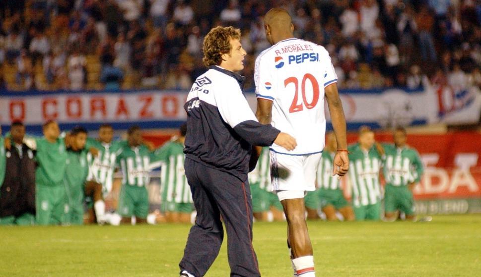Richard Morales y Daniel Carreño durante un partido defendiendo a Nacional. FOTO: Archivo El País.