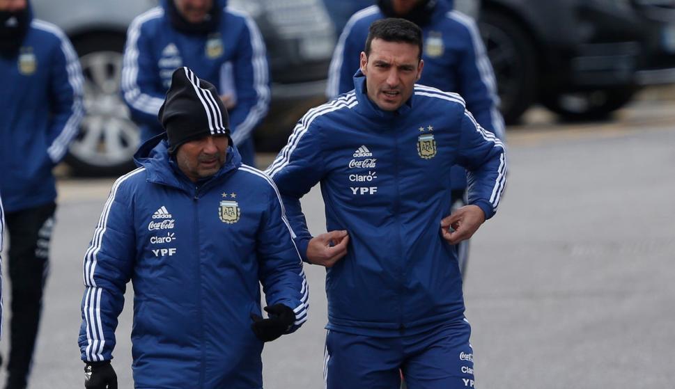Jorge Sampaoli y Lionel Scaloni. Foto: La Nación.
